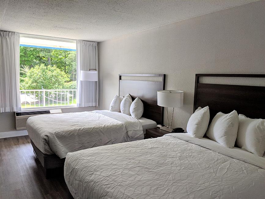 2 Queen Beds Beachside Room